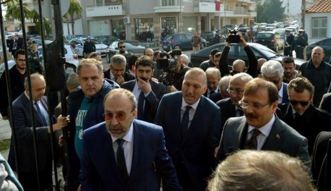 Επίσκεψη του Τούρκου Αντιπροέδρου Χακάν Τσαβούσογλου στο μειονοτικό Γυμνάσιο και Λύκειο Κομοτηνής.Ο κος Τσαβούσογλου συνοδεύεται από τον υφυπουργό εξωτερικών Γιάννη Αμανατίδη,Παρασκευή 3 Νοεμβρίου 2017 (EUROKINISSI/ΠΑΡΑΤΗΡΗΤΗΣ ΚΟΜΟΤΗΝΗΣ)