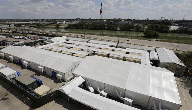 ΗΠΑ: Το Τέξας έγινε η πρώτη πολιτεία που δεν θα δεχθεί πρόσφυγες το 2020