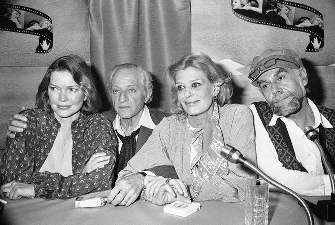 Η Μελίνα Μερκούρη μαζί με την Έλεν Μπέρστιν, τον Ζυλ Ντασέν και τον Ανδρέα Βουτσινά στο Φεστιβάλ των Καννών