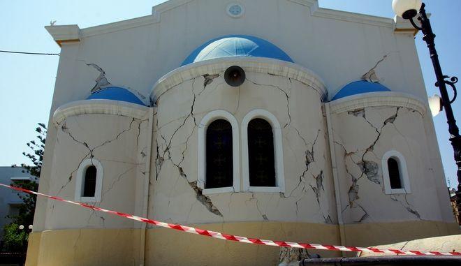 Από τις καταστροφές που προκάλεσε ο ισχυρός σεισμός 6,6 ρίχτερ στο νησί της Κω τον Ιούλιο του 2017
