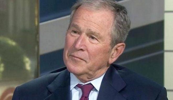 Μπους: Βέβαιη η ρωσική ανάμειξη στις αμερικανικές εκλογές, αβέβαιο το αποτέλεσμα