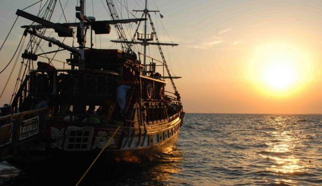 Θερμαϊκός: Πλοίο με 140 επιβάτες έμεινε ακυβέρνητο