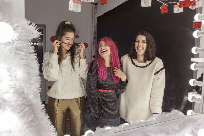Γιατί ο στολισμός του χριστουγεννιάτικου δέντρου θα είναι πάντα οικογενειακή υπόθεση;