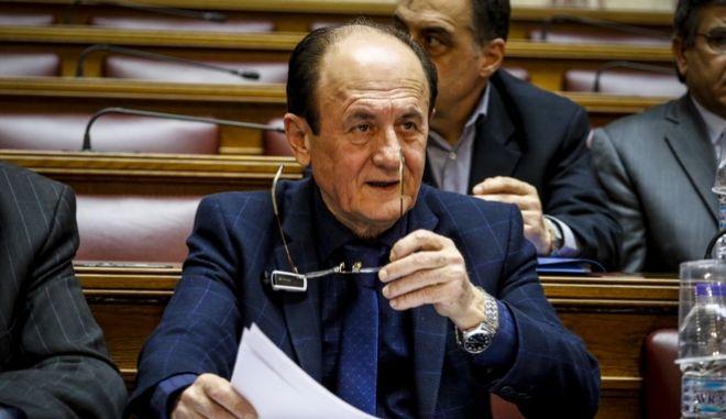Βουλή: Επίθεση Θύμιου Λυμπερόπουλου σε Μητσοτάκη και Beat