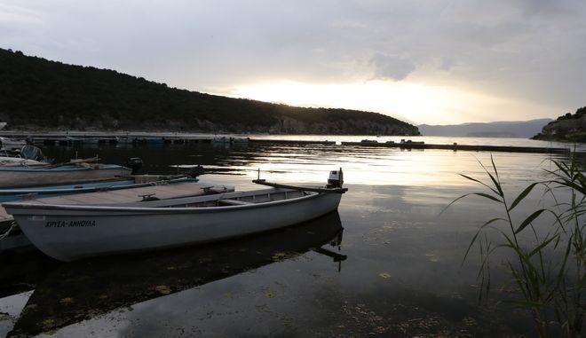 Φωτογραφία αρχείου - Το χωριό Ψαράδες, στις Πρέσπες