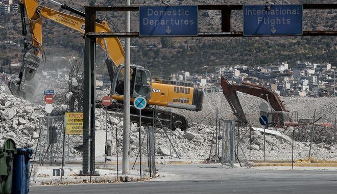 Συνεχίζονται οι εργασίες στο Παλαιό Αεροδρόμιο του Ελληνικού