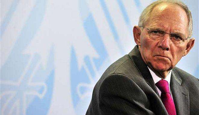 Γερμανός βουλευτής: 'Εμπρηστής' ο Σόιμπλε. Αντί για πυροσβεστήρα ρίχνει λάδι στη φωτιά