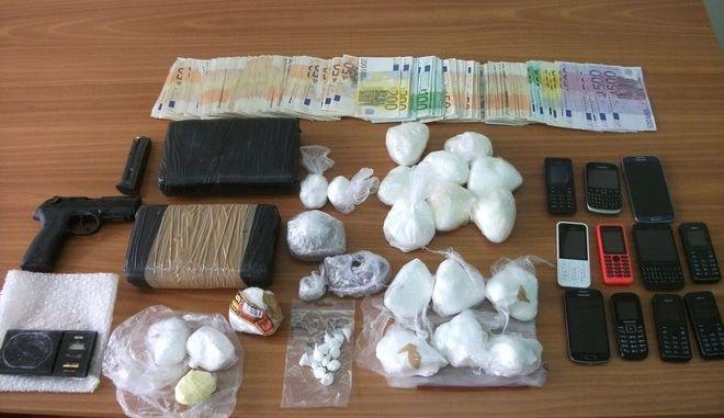 Εξαρθρώθηκε σπείρα διακίνησης κοκαΐνης