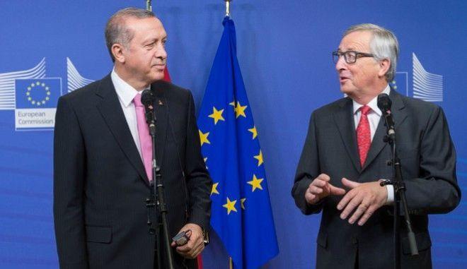 Κομισιόν: Αναβάθμιση της συμφωνίας και τελωνειακή ένωση με Τουρκία