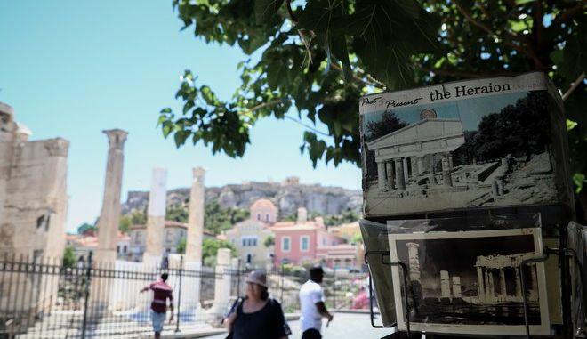 Το ιστορικό κέντρο της Αθήνας, αναμένει τους τουρίστες
