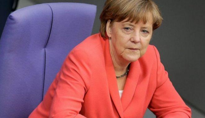 Μέρκελ: Αν δεν υπάρχει καμία βάση για αποφάσεις τη Δευτέρα, τότε η Σύνοδος Κορυφής θα έχει συμβουλευτικό χαρακτήρα