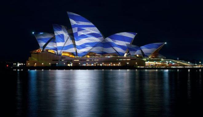25η Μαρτίου: Στα χρώματα της γαλανόλευκης διάσημα κτίρια του κόσμου