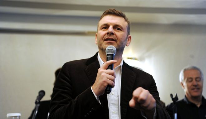 """θα παρουσιάσει αύριο,   Ο δήμαρχος Στυλίδας, Απόστολος Γκλέτσος, παρουσιάζει τις βασικές αρχές του πολιτικού φορέα """"Τελεία"""" σε εκδήλωση στο ξενοδοχείο """"Αμαλία"""", την Κυριακή 7 Δεκεμβρίου 2014.  (EUROKINISSI/ΑΝΤΩΝΗΣ ΝΙΚΟΛΟΠΟΥΛΟΣ)"""