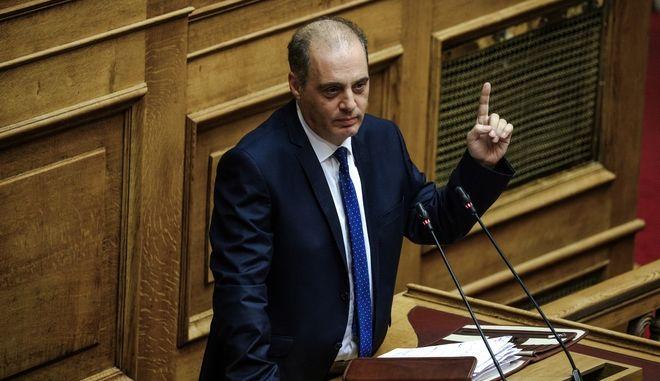 Στιγμιότυπο από την ανάγνωση των προγραμματικών δηλώσεων κυβέρνησης Μητσοτάκη - Στο βήμα ο Κυριάκος Βελόπουλος