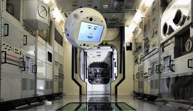 Στον Διεθνή Διαστημικό Σταθμό το Cimon, το ρομπότ με πρόσωπο καρτούν