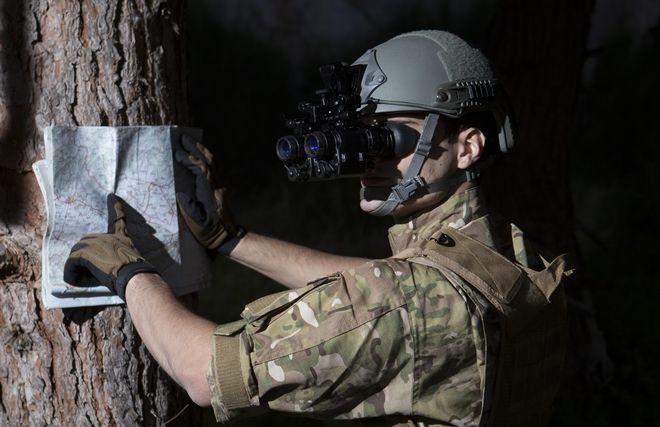 Theon: Η ελληνική εταιρεία που έβαλε τα κυάλια στον αμερικανικό στρατό
