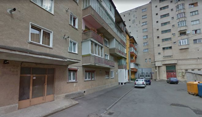 google+street+view - Η απίστευτη μεταφορά κτιρίου 7.600 τόνων στην Ρουμανία πάνω σε ράγες