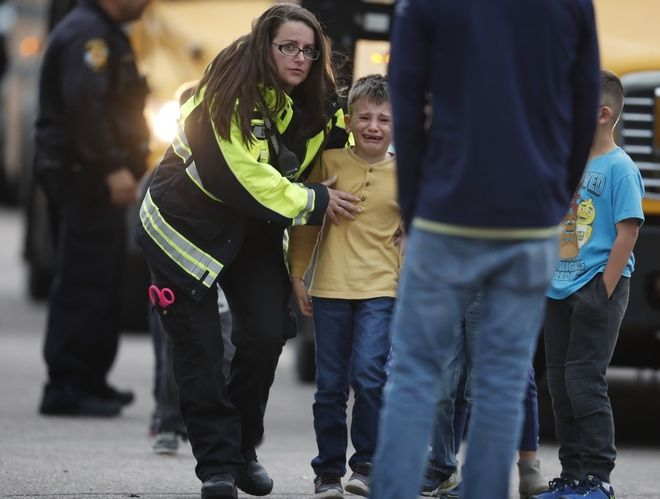 Ένοπλη επίθεση στο Χάιλαντς Ραντς, Κολοράντο
