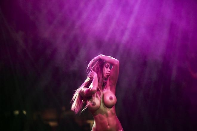Athena Erotic Art 2014 exhibition in the Tae Kwon Do stadium, in Athens, on Dec. 19, 2014 /   Athena Erotic Art 2014      ,  19 , 2014