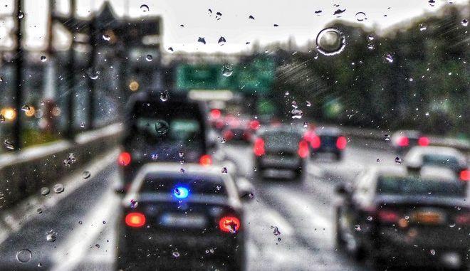 Βροχή στην Αττική Οδό