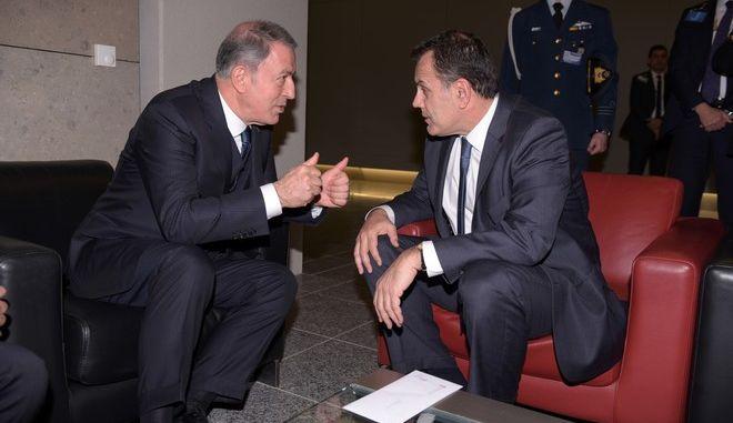 Συνάντηση του υπουργού Εθνικής Άμυνας Νίκου Παναγιωτόπουλου  με τον υπουργό Άμυνας της Τουρκίας Χουλουσί Ακάρ