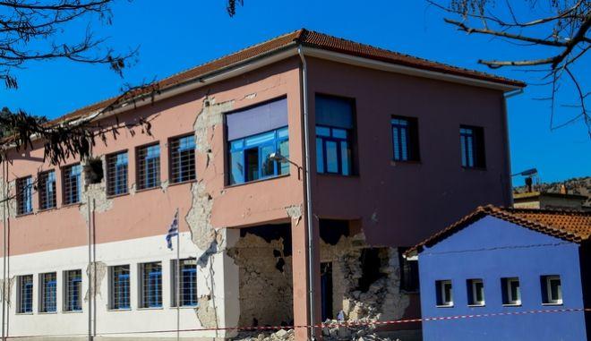 Καταστροφές από τον σεισμό στο Δημοτικό Σχολείο Δαμασίου
