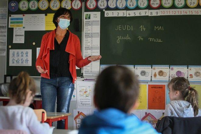 Στιγμιότυπο από σχολείο στη Γαλλία τον Μάιο