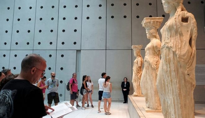 Tourists visit the Acropolis museum in Athens, Greece on Aug. 09, 2017. /       9 , 2017.