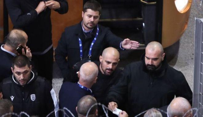 Ολυμπιακός - ΠΑΟΚ: Ένταση κατά την άφιξη με Γκαγκάτση και αστυνομία