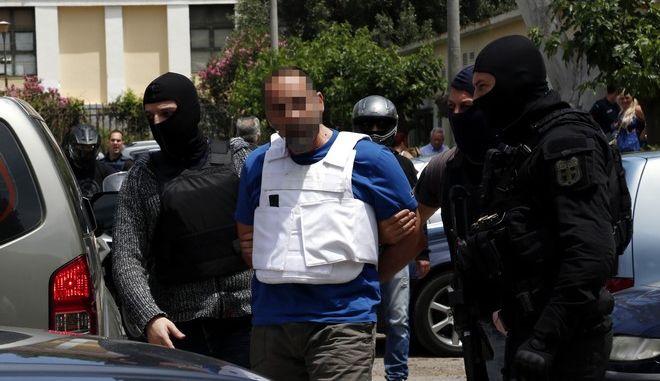 Απολογία στον ανακριτή των δύο συλληφθέντων στην αστυνομική επιχείρηση στη Νέα Αγχίαλο Μαγνησίας. τρίτη 2 Ιουνίου 2015. (EUROKINISSI/ΣΤΕΛΙΟΣ ΜΙΣΙΝΑΣ)