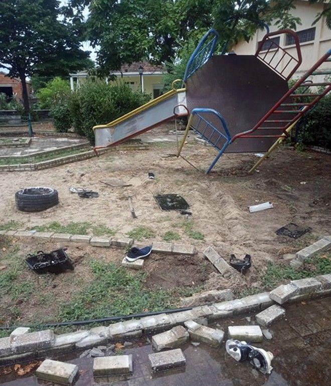 Καβάλα: Αυτοκίνητο έπεσε πάνω σε παιδική χαρά - Νεκρός ο 30χρονος οδηγός