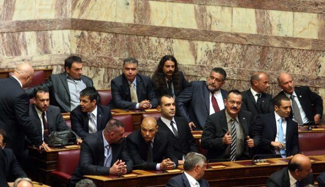 Στιγμιότυπο από την Ορκωμοσία της νέας βουλής που προέκυψε από τις εκλογές της 17ης Ιουνίου,Πέμπτη 28 Ιουνίου 2012 (EUROKINISSI/ΤΑΤΙΑΝΑ ΜΠΟΛΑΡΗ)