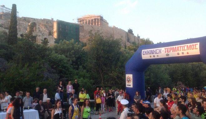 Είπαν 'Ποτέ πια ναζισμός' τρέχοντας σε Αθήνα και Δίστομο