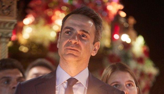 Ο Πρόεδρος της Νέας Δημοκρατίας Κυριάκος Μητσοτάκης στην περιφορά του Επιταφίου στη Τήνο
