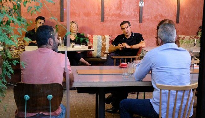 Συνάντηση του Αλέξη Τσίπρας με συμβασιούχους και εργαζόμενους.