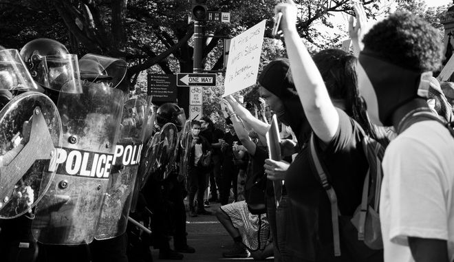 Στιγμιότυπο από διαδήλωση Black Lives Matter