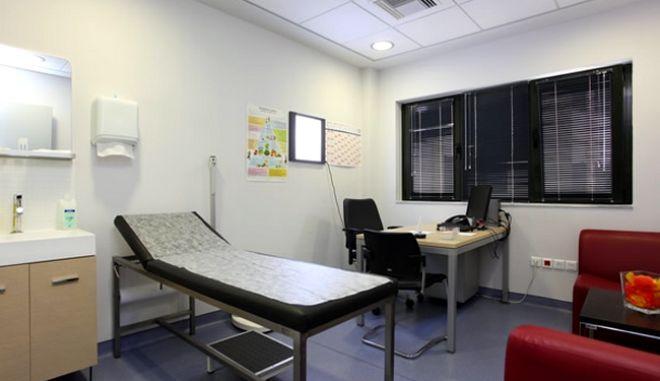 """Με οπλίτη γιατρό το υπουργείο Υγείας """"λύνει"""" το πρόβλημα της Σύμης"""