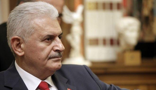 Συνάντηση του Προέδρου της Δημοκρατίας, Προκόπη Παυλόπουλου με τον πρωθυπουργό της Τουρκίας Μπιναλί Γιλντιρίμ, την Δευτέρα 19 Ιουνίου 2017. (EUROKINISSI/ΓΙΩΡΓΟΣ ΚΟΝΤΑΡΙΝΗΣ)