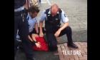 Σοκ από το βίντεο της προσαγωγής ενός ανήλικου όπου αστυνομικός γονατίζει στον λαιμό του