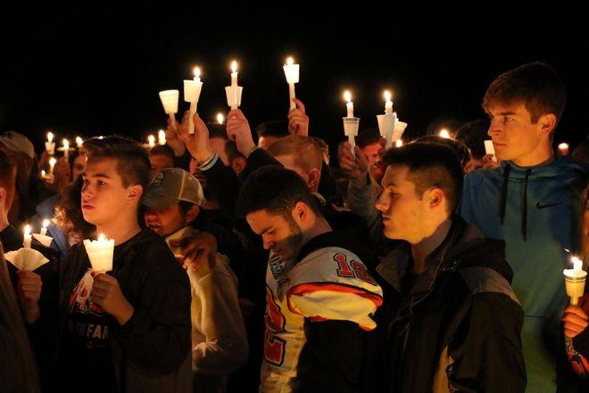 Τελετή μνήμης για την ένοπλη επίθεση στο Marshall County High School στο Μπέντον
