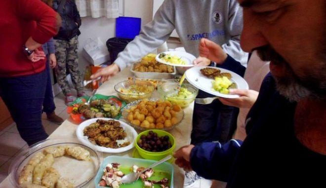 Πάνω από 100 δισ. ευρώ φαγητού κάθε χρόνο στα σκουπίδια μας