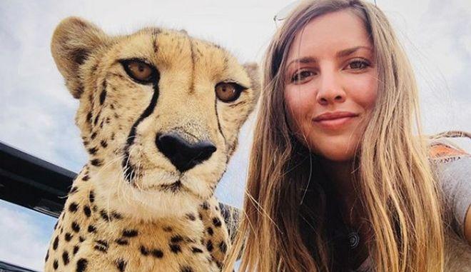Lisa Kytosaho: Η Σουηδέζα που μεγαλώνει τσιτάχ σαν παιδιά της