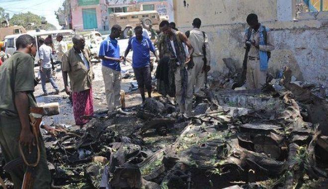 Σομαλία: Τουλάχιστον 15 νεκροί από την επίθεση των ανταρτών αλ Σεμπάμπ εναντίον του υπουργείου Παιδείας