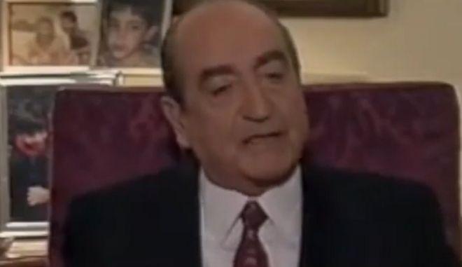 Μαξίμου: Συμφωνεί ή διαφωνεί ο Κυριάκος Μητσοτάκης με τον Κωνσταντίνο Μητσοτάκη για το Σκοπιανό;