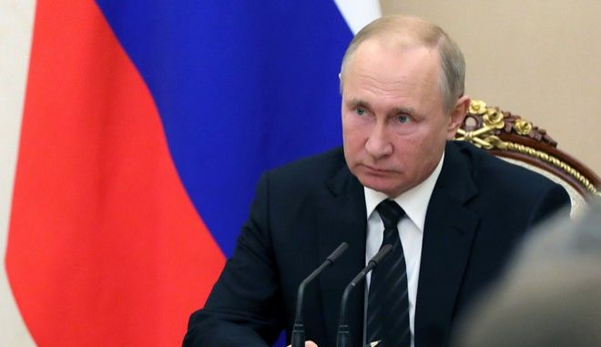 Ο Ρώσος πρόεδρος Βλαντίμιρ Πούτιν σε σύσκεψη στο Κρεμλίνο