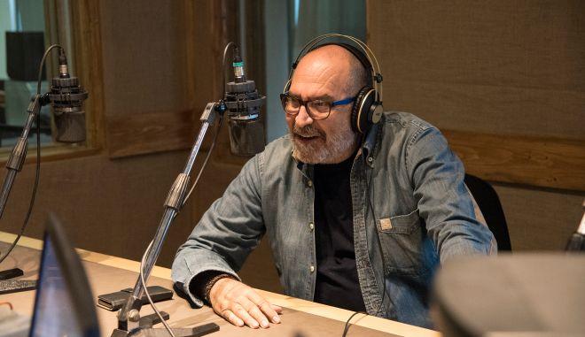 """Ο Ηλίας Μπενέτος φιλοξενεί τον συνθέτη Θανάση Πολυκανδριώτη στην εκπομπή """"Ένα μύθο θα σας πω"""""""