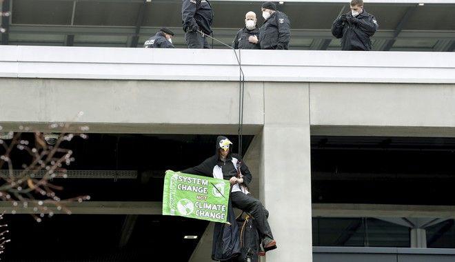 Ακτιβιστής ενάντια στο νέο αεροδρόμιο του Βερολίνου