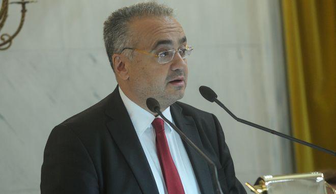 Ο πρόεδρος του ΔΣΑ Δημήτρης Βερβεσός