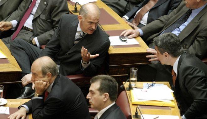 Ο Λοβέρδος καθίζει στο τραπέζι τους υπουργούς Παιδείας