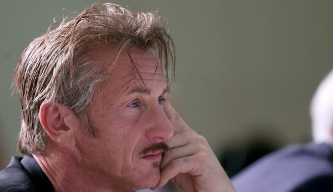 """US actor Sean Penn attends a session named """"Global Alliance for Urban Crises"""" at the World Humanitarian Summit in Istanbul, Monday, May 23, 2016. World leaders and representatives of humanitarian organizations from across the globe are converging in Istanbul for the first World Humanitarian Summit. (Berk Ozkan/Pool Photo via AP)"""